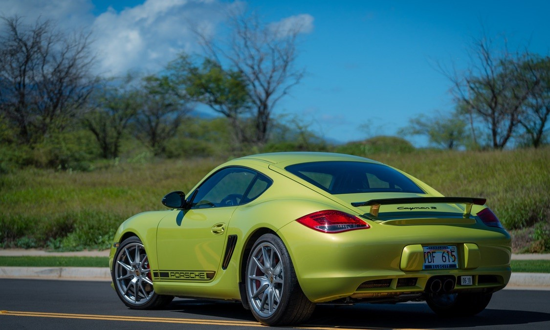 Maui Mini Go! 2012 Porsche Cayman R for Rent, rear quarter view